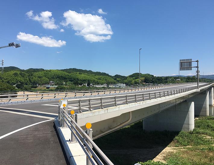 木津川橋【橋梁用防護柵】