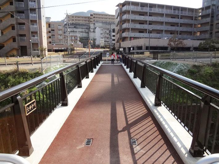 滑石団地歩道橋【橋梁用防護柵】
