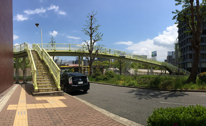 新大阪駅南歩道橋【橋梁用防護柵】